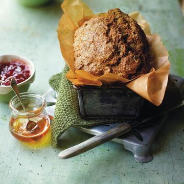 Spelt bread with jam